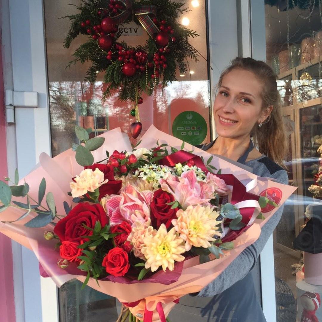 Доброе утро встречаем букетами, прямо вот так, у двери. . . Звоните +79000001133 Рашпилевская 28 Работаем с 8:00 до 20:00 tiffanyblooms.ru . #букеткраснодар #букет_от_тиффани #tiffanyblooms #flowers #цветыкрд #доставкацветовкраснодар #доставкабукетовкраснодар #букетвшляпнойкоробке