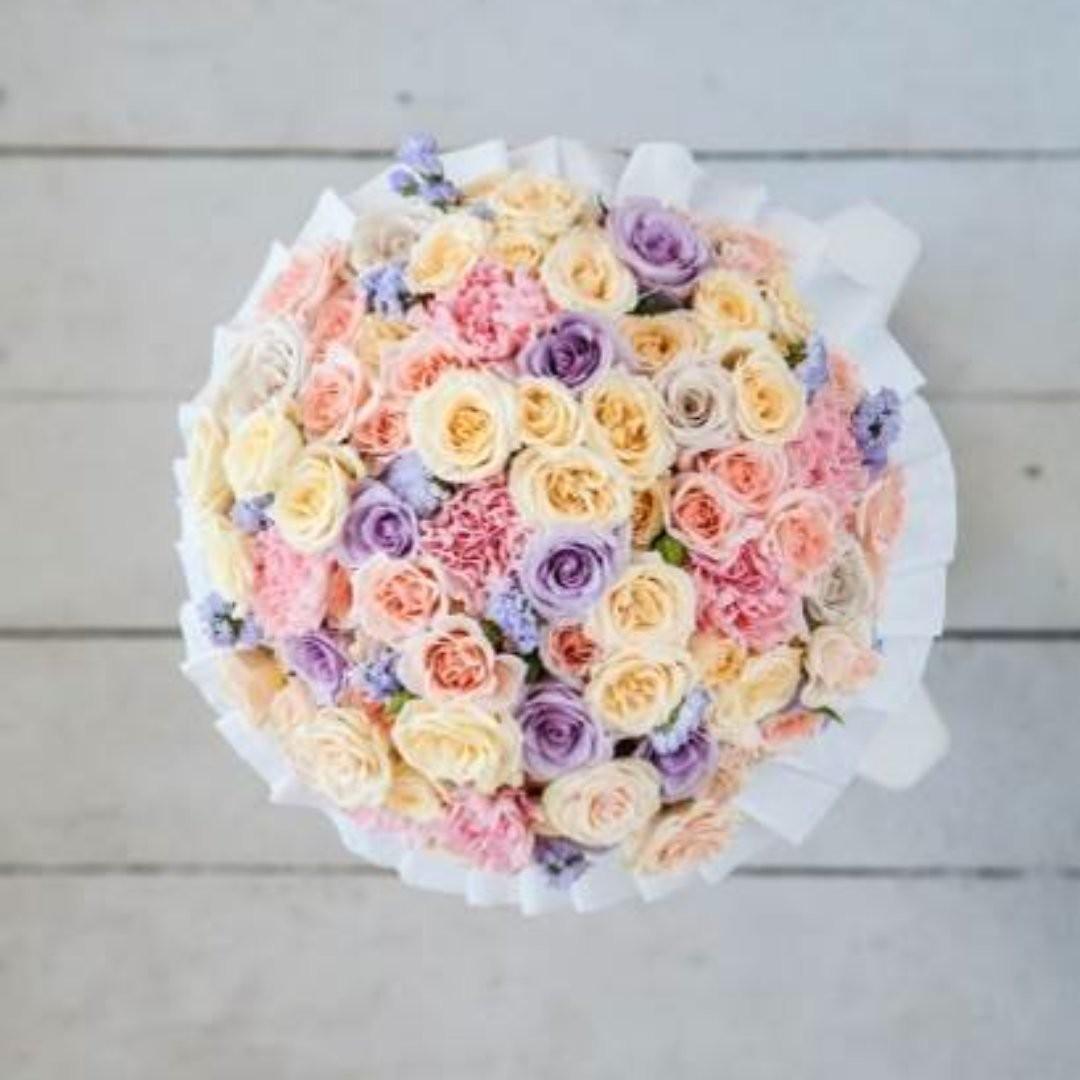 У кого утром зефирно-нежное настроение? Мы даже знаем, как оно выглядит. . Звоните +79000001133 Рашпилевская 28 Работаем с 8:00 до 20:00 tiffanyblooms.ru . #букеткраснодар #букет_от_тиффани #tiffanyblooms #flowers #цветыкрд #доставкацветовкраснодар #доставкабукетовкраснодар #букетвшляпнойкоробке