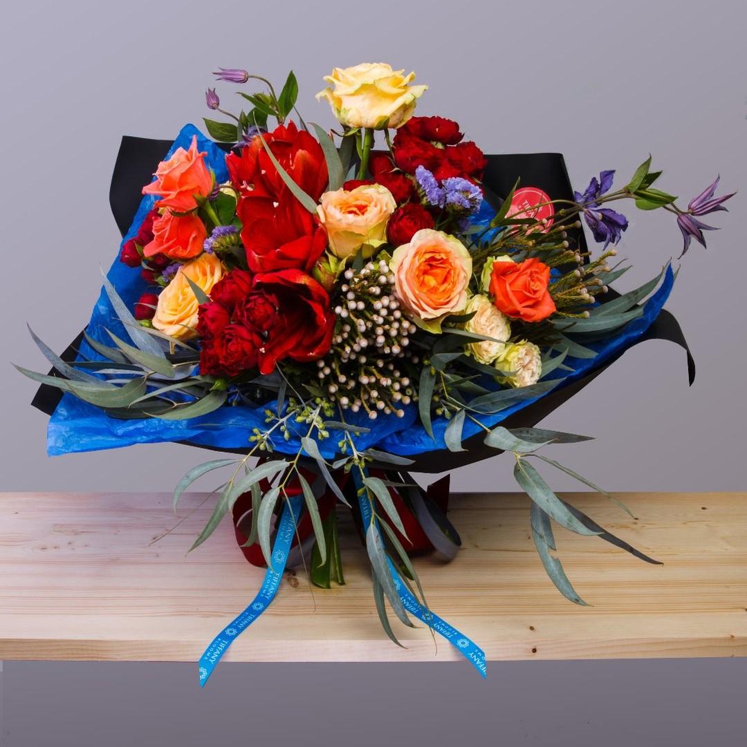 Раскидистый English Tiffany из нашей коллекции. . Звоните +79000001133 Рашпилевская 28 Работаем с 8:00 до 20:00 tiffanyblooms.ru . #букеткраснодар #букет_от_тиффани #tiffanyblooms #flowers #цветыкрд #доставкацветовкраснодар #доставкабукетовкраснодар #букетвшляпнойкоробке