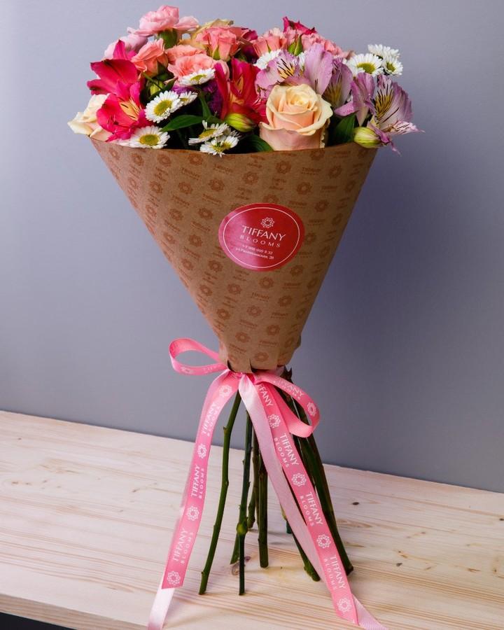 Миленькие и удаленькие букеты из коллекции Mini. . Звоните +79000001133 Рашпилевская 28 Работаем с 8:00 до 20:00 tiffanyblooms.ru . #букеткраснодар #букет_от_тиффани #tiffanyblooms #flowers #цветыкрд #доставкацветовкраснодар #доставкабукетовкраснодар #букетвшляпнойкоробке