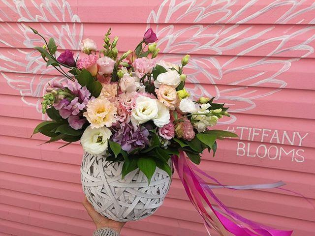 Flower bomb  will blow your mind. Взрывной букет...Звоните +79000001133Рашпилевская 28Работаем с 8:00 до 20:00tiffanyblooms.ru.#букеткраснодар #букет_от_тиффани #tiffanyblooms #flowers #цветыкрд #доставкацветовкраснодар #доставкабукетовкраснодар #букетвшляпнойкоробке