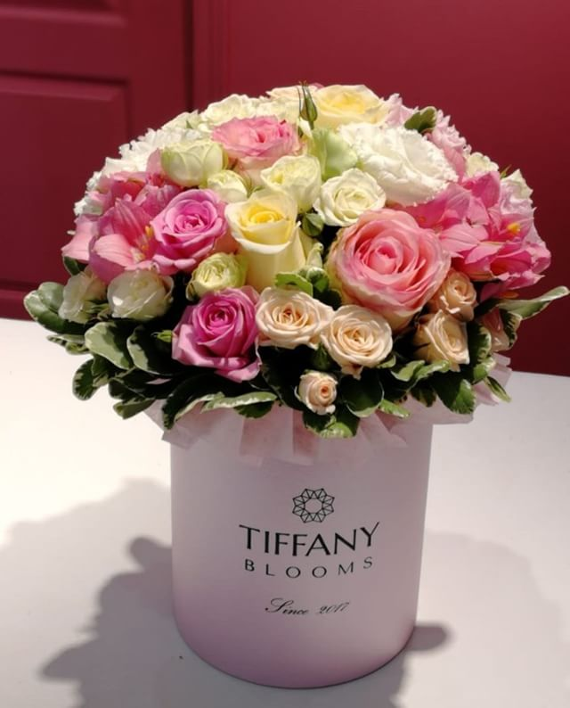 Вы не поверите, подаренные цветы доставляют уйму радости, а не подаренные тоже остаются в памяти...Звоните +79000001133Рашпилевская 28Работаем с 8:00 до 20:00tiffanyblooms.ru.#букеткраснодар #букет_от_тиффани #tiffanyblooms #flowers #цветыкрд #доставкацветовкраснодар #доставкабукетовкраснодар #букетвшляпнойкоробке