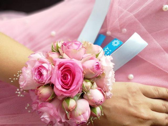 Каждая обладательница свадебной бутоньерки мечтает вырасти до невесты с букетом...Звоните +79000001133Рашпилевская 28Работаем с 8:00 до 20:00tiffanyblooms.ru.#букеткраснодар #букет_от_тиффани #tiffanyblooms #flowers #цветыкрд #доставкацветовкраснодар #доставкабукетовкраснодар #букетвшляпнойкоробке
