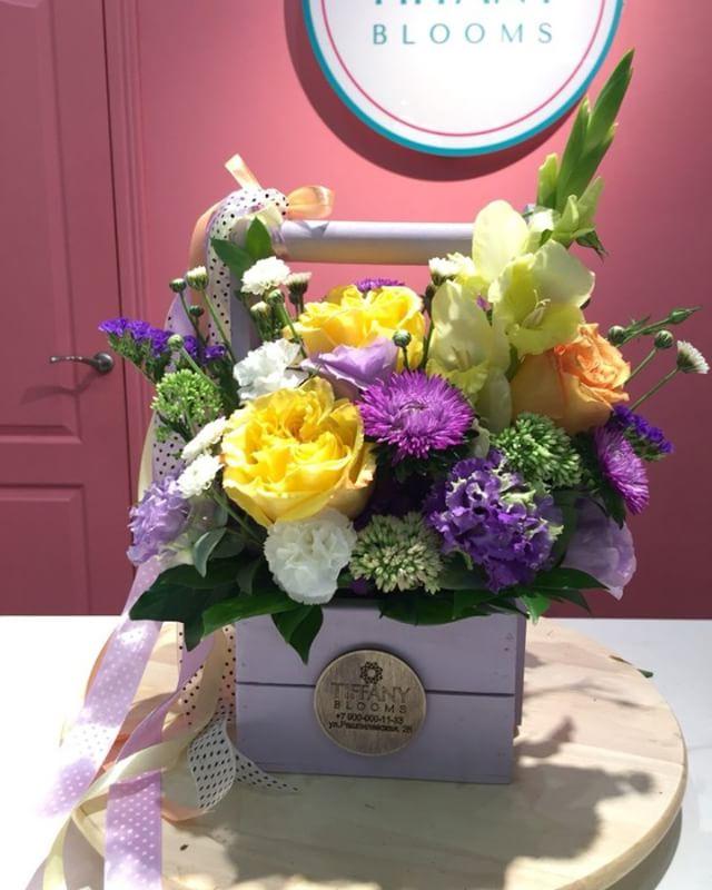 Утро - яркое время дня, особенно для тех, кто идет на любимый концерт сегодня...Звоните +79000001133Рашпилевская 28Работаем с 8:00 до 20:00tiffanyblooms.ru.#букеткраснодар #букет_от_тиффани #tiffanyblooms #flowers #цветыкрд #доставкацветовкраснодар #доставкабукетовкраснодар #букетвшляпнойкоробке